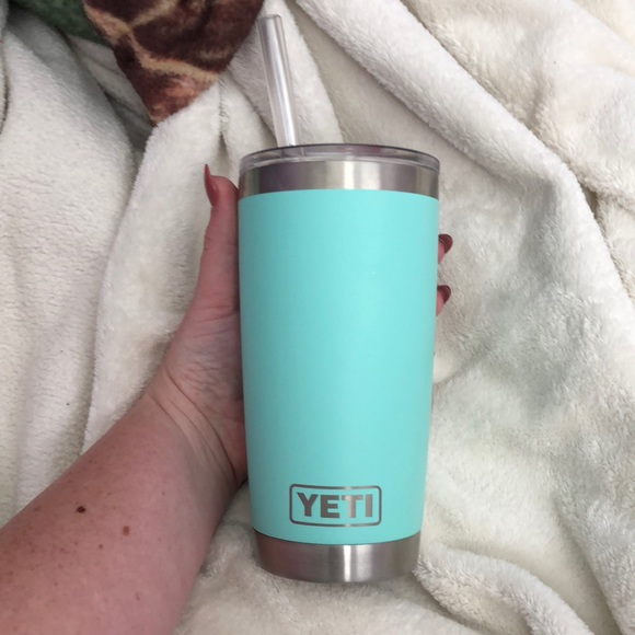 f41f7d38366 Yeti cup with straw top. M_5acbc3353800c594ec09805a